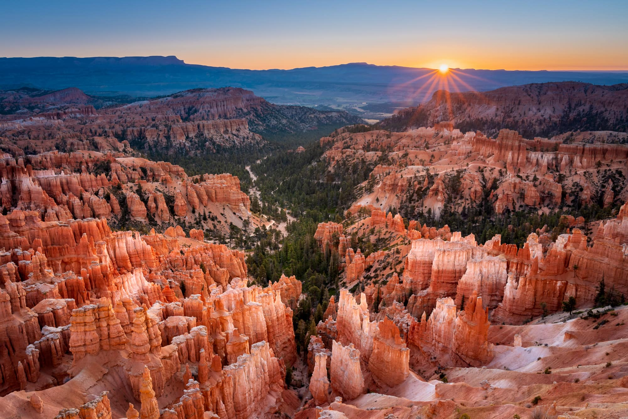 Inspiration Point at sunrise, Bryce Canyon National Park